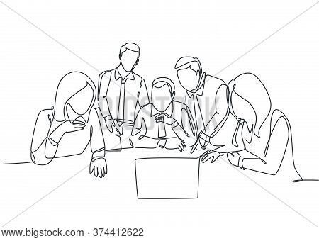 One Continuous Line Drawing Of Team Workers Listening Boss Direction Via Teleconference On Laptop At