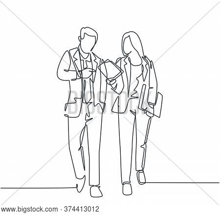 One Single Line Drawing Of Young Couple Male And Female Employees Discussing New Strategy Plan To Co