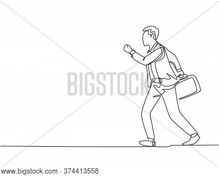 Single Continuous Single Line Drawing Of Young Happy Male Urban Commuter Running In Rush At City Str
