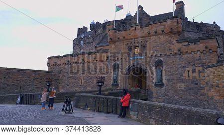 Edinburgh Castle On Castlehill In The Historic District Of Edinburgh - Edinburgh, United Kingdom - J