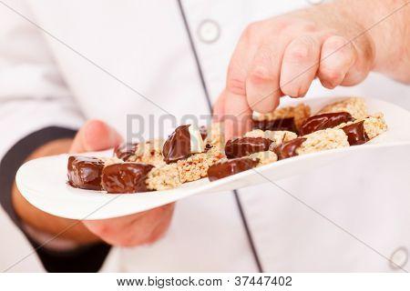 granola bars with chocolate