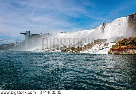 American Falls Is Part Of Niagara Falls, Located Between The United States And Canada