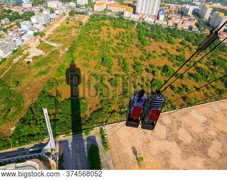Pattaya, Thailand - December 31, 2019: Couple Doing The Tower Jump From The Top Of The Pattaya Tower