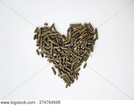 Food Green Pellets For A Hamster, Rabbit, Guinea Pig, Mouse, Chinchilla, Degu. Food Pellets For A Ro