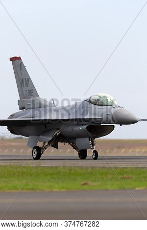 Avalon, Australia - February 27, 2015: United Staes Air Force (usaf) Lockheed F-16cj Taxiing At Aval