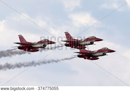 Avalon, Australia - February 21, 2015: Republic Of Singapore Air Force (rsaf) Lockheed Martin F-16cj