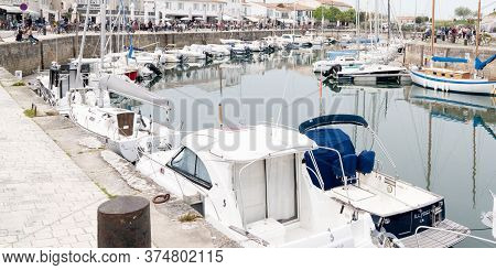 Saint Martin De  Ré, Charente Maritime / France - 05 01 2019 : Boat In Port Village St Martin In Isl