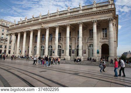 Bordeaux , Aquitaine / France - 10 30 2019 : Comedy Square With Grand Theatre Opera Building In Bord