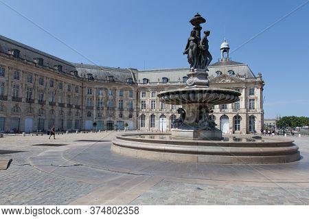 Bordeaux , Aquitaine / France - 11 07 2019 : Bordeaux City Center View Of Place De La Bourse Gironde