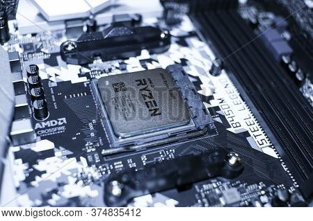 Amd Ryzen Desktop Pc Cpu Installed On Hi Tech Motherboard, Computer Components