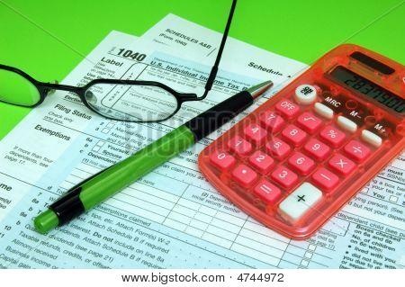 Tax Forms Pen Calculator