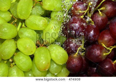 Enxágue uva verde e vermelha