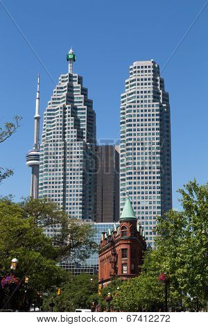 Td Towers, Cn Tower And Flatiron
