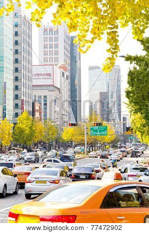 Traffic approaching on a busy road through the Gangnam district