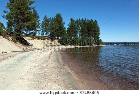 The Beach On The Lake Kolvitsa