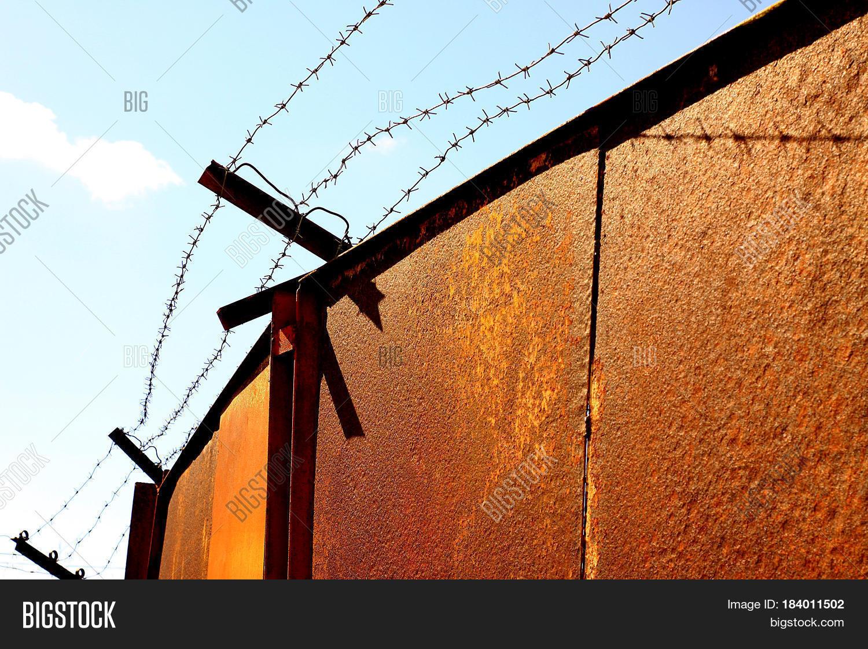 Rusty Gates Barbed Image & Photo (Free Trial) | Bigstock