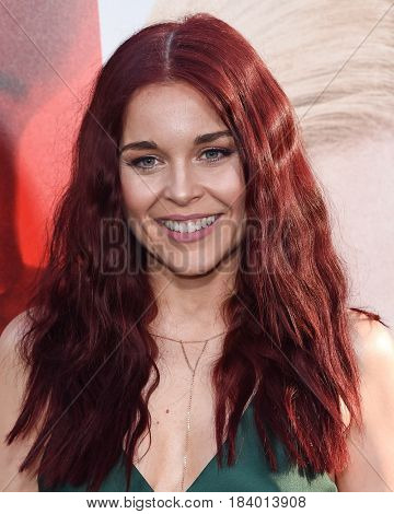 LOS ANGELES - APR 18:  Erin Robinson arrives for the