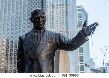 Irv Kupcinet Statue
