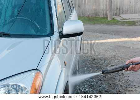 To Wash The Car With The High-pressure Apparatus.