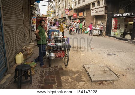 DELHI INDIA-MAR 29 : unidentified india people breakfast stall in main bazar paharganj. there are many hotel in this street in delhi on march 29 2015 india