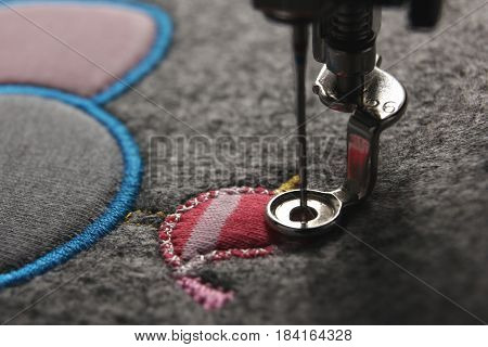 embroidery and application with embroidery machine - foundation for satin stitch - matte look