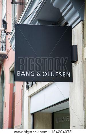 Bang & Olufsen Store