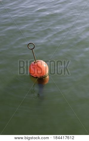 one mooring bouy to place the boat on