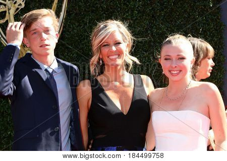 LOS ANGELES - APR 30:  John Michael Wright, Laura Wright, Lauren Wright at the 44th Daytime Emmy Awards - Arrivals at the Pasadena Civic Auditorium on April 30, 2017 in Pasadena, CA