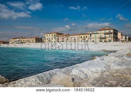 Marina Di Pisa, Italy - Avril 24, 2017: View Of The Sea And The Beach, Marina Di Pisa In Tuscany