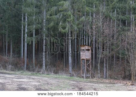 a raised hide for hunting in spring