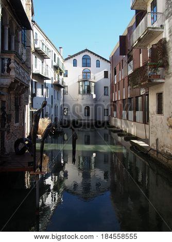 view of treviso with buildings and canal