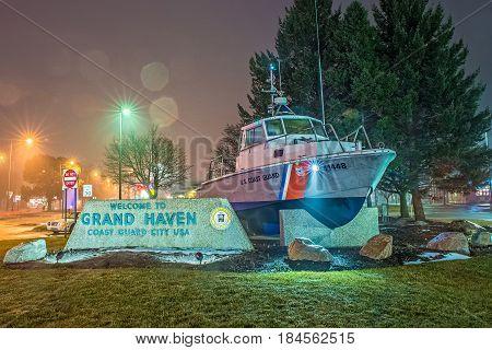 march 2017 Grand haven MI - welcome to grand haven michigan coast guard city usa entrance