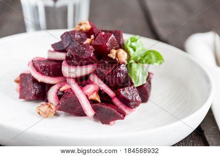 Vegetarian Lean Lettuce From Beet, Onion, Walnuts, Serving On A