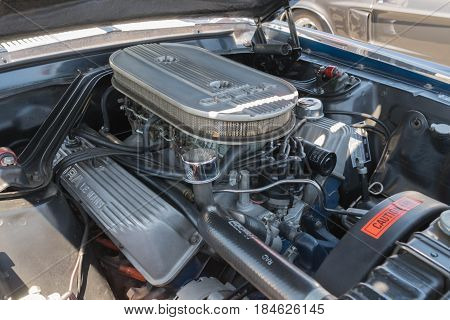 Ford Mustang  Gt 500 Engine On Display