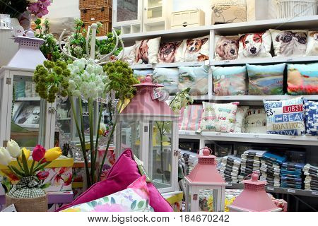 St Ives, Cornwall, Uk - April 3 2017: Colourful Homeware And Linen Items For Sale On Shelves In A Fa