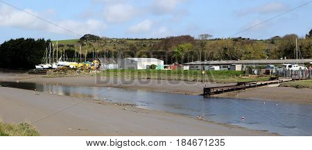 Wadebridge, Cornwall, Uk - April 6 2017: The River Camel At Low Tide Along The Route Of The Camel Tr