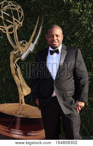 PASADENA - APR 28: Anthony Anderson at the 44th Daytime Creative Arts Emmy Awards Gala at the Pasadena Civic Centerl on April 28, 2017 in Pasadena, California