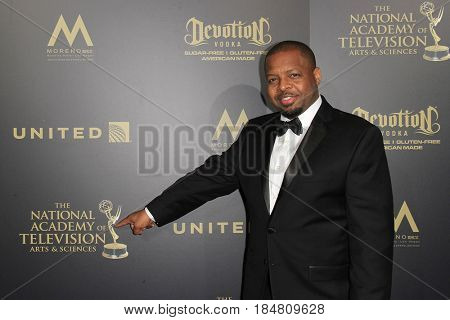 PASADENA - APR 28: Anthony Anderson at the 44th Daytime Creative Arts Emmy Awards Gala at the Pasadena Civic Center on April 28, 2017 in Pasadena, CA