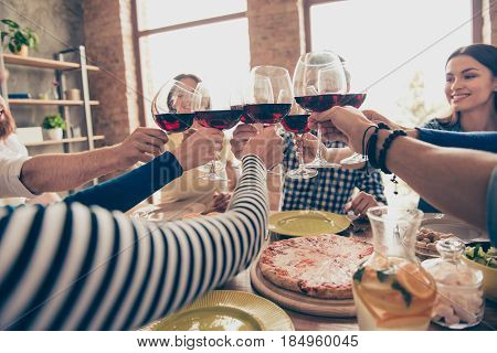 Close Up Photo Of Glasses With Wine. Young People Are Toasting To Celebrate Victory Together, Table
