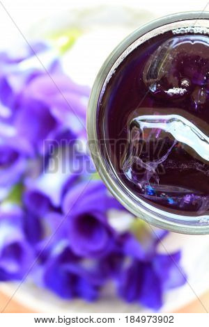 Cool butterfly pea juice look from top view