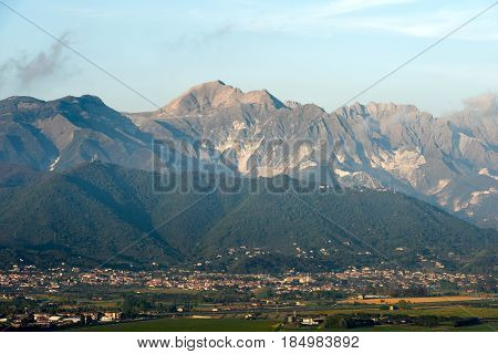 The Apuan Alps (Alpi Apuane) with the famous marble quarries (Carrara white marble). Tuscany (Toscana) Italy Europe