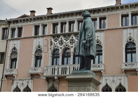 Venice, Italy - August 9, 2014: Memorial Sculpture To Manin, An Italian Hero, In Venice, Italy.