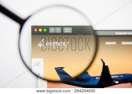 Los Angeles, California, Usa - 14 February 2019: Dassault Aviation Aerospace Website Homepage. Dassa
