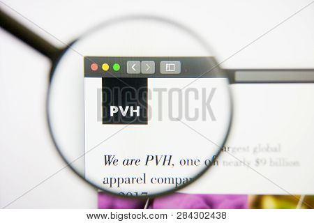 Los Angeles, California, Usa - 14 February 2019: Pvh Website Homepage. Pvh Logo Visible On Monitor S