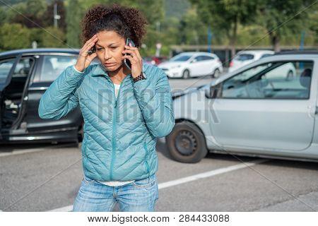 Woman Call Roadside Service After Fender Bender Car Crash