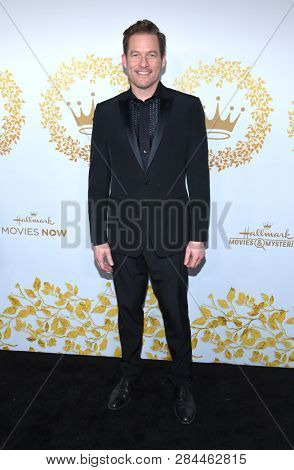 LOS ANGELES - FEB 09:  James Tupper arrives for the {Event} on February 09, 2019 in Pasadena, CA