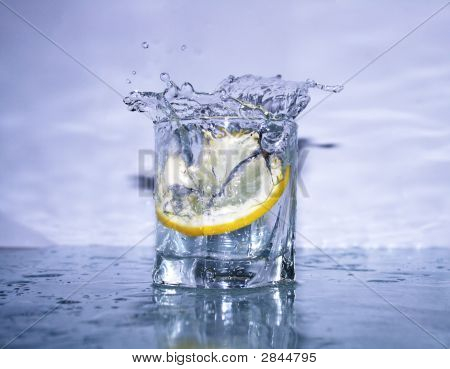 Fresh Lemonade Splash