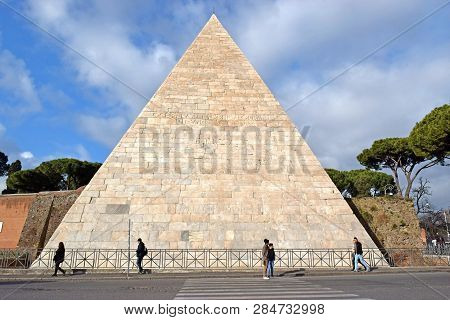 Rome, Italy - November 13, 2018 : Pyramid Of Cestius ( Tomb For Gaius Cestius ), Ancient Pyramid In