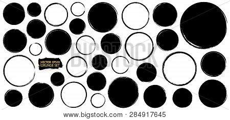 Frames set. Grunge backgrounds. Paint stain. Ink splash. Splatter. Grunge backdrops collection. Plac