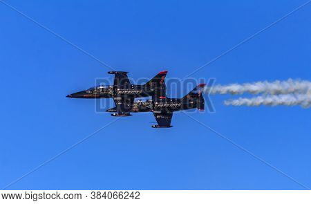San Francisco, Usa - October 12, 2014: Patriots Jet Team Aerobatic Team Aero L-39 Albatros Jets Flyi